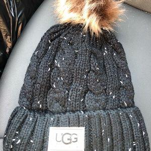 Black tweed hat with Pom Pom